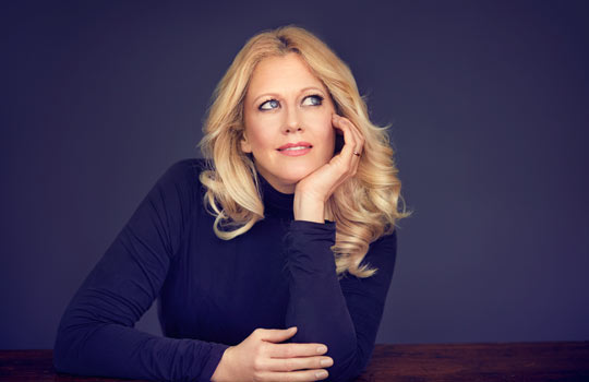 Barbara Schöneberger, Foto: Benno Krähahn
